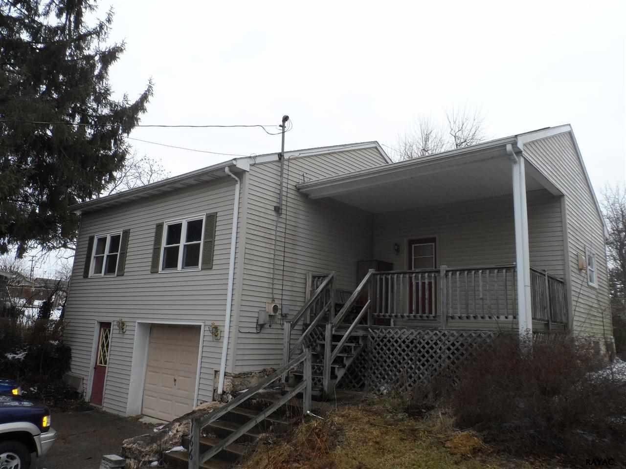 166 E King St, Abbottstown, PA 17301
