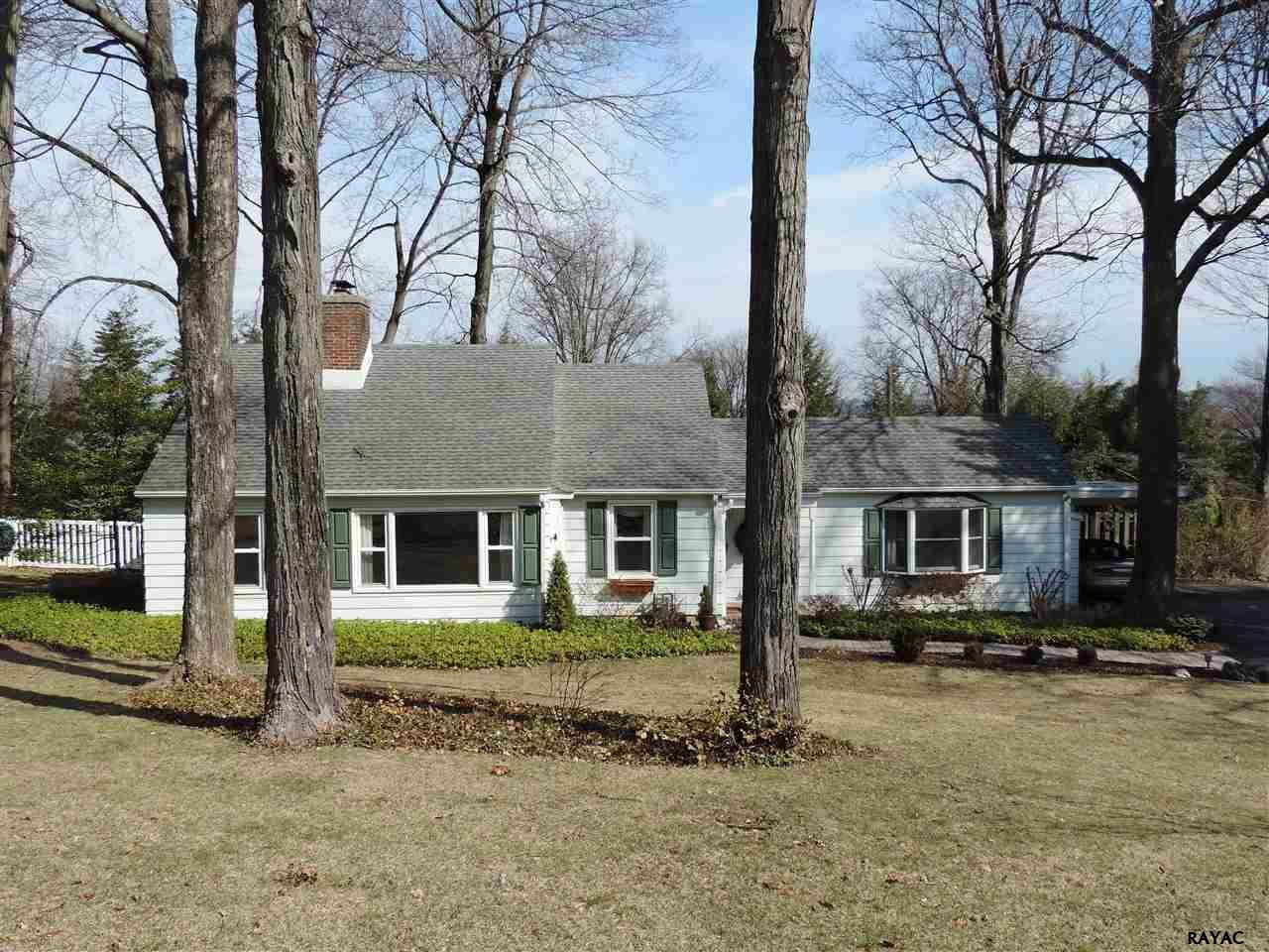 127 Woodland Dr, York, PA 17403