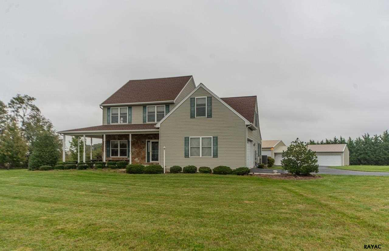 4 John Edward Dr, Littlestown, PA 17340