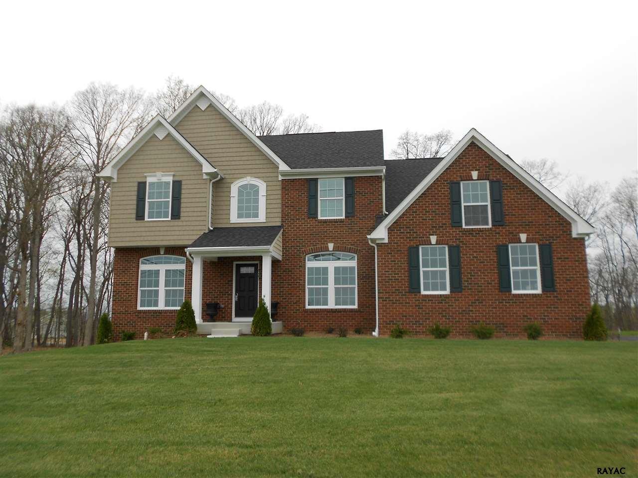 4261 Grandview Rd, Hanover, PA 17331
