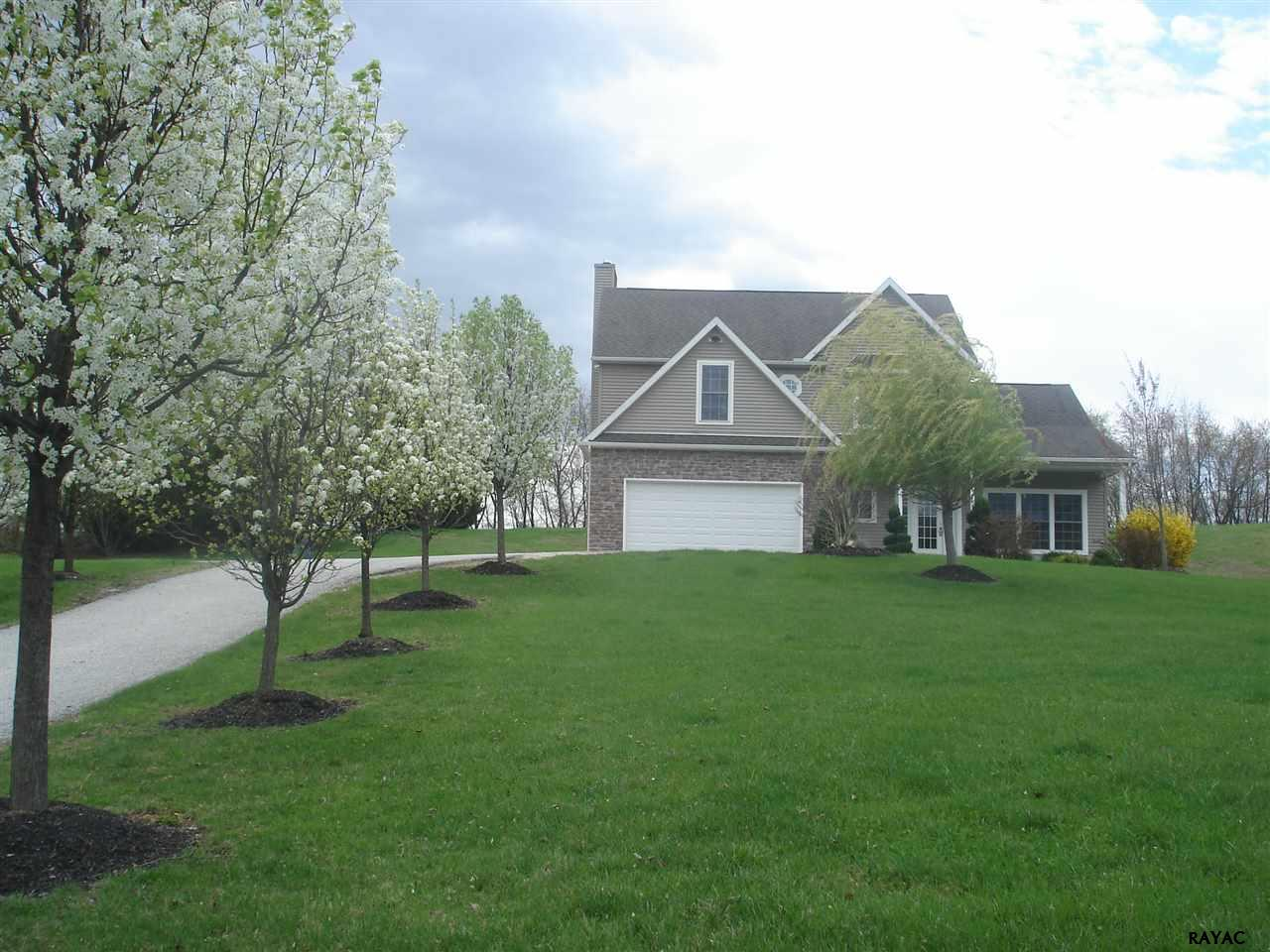 7416 Pigeon Hill Rd, Spring Grove, PA 17362