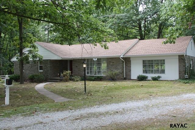 408 Shealer Rd, Gettysburg, PA 17325