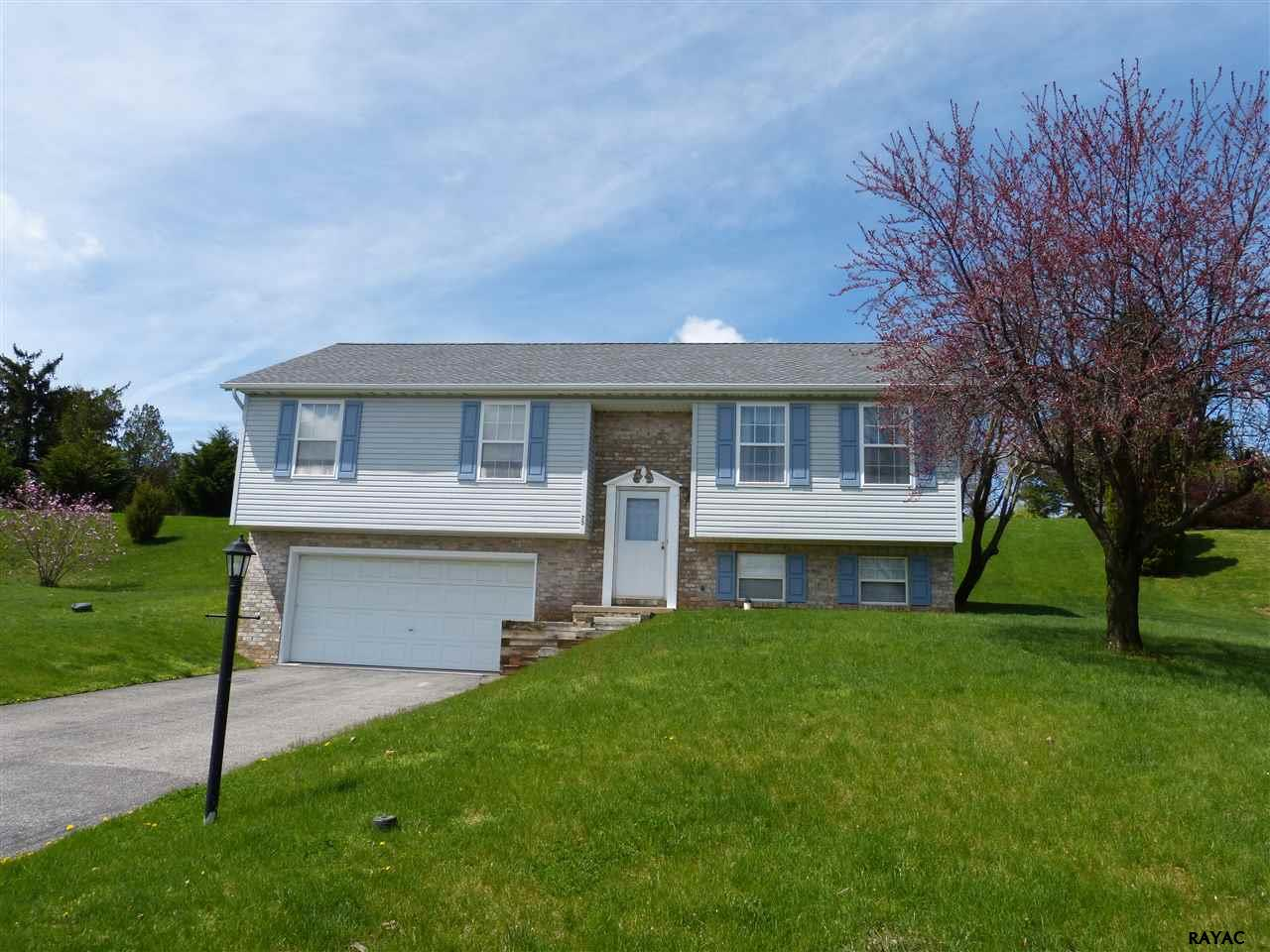 75 Piston Ct, Stewartstown, PA 17363
