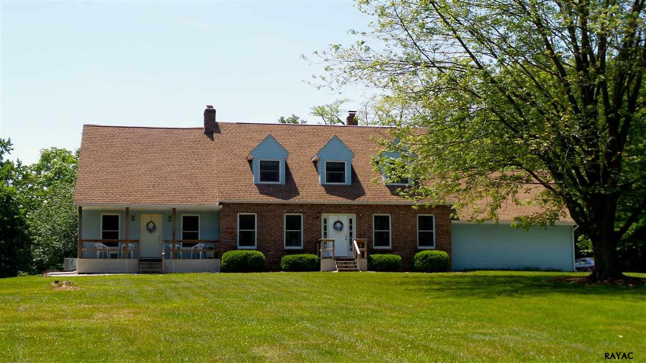 4135 Pierceville Rd, Glen Rock, PA 17327