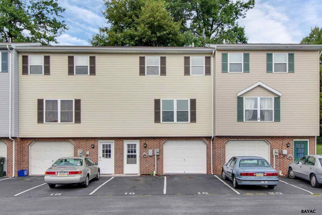 18 Pine Dr, Manchester, PA 17345
