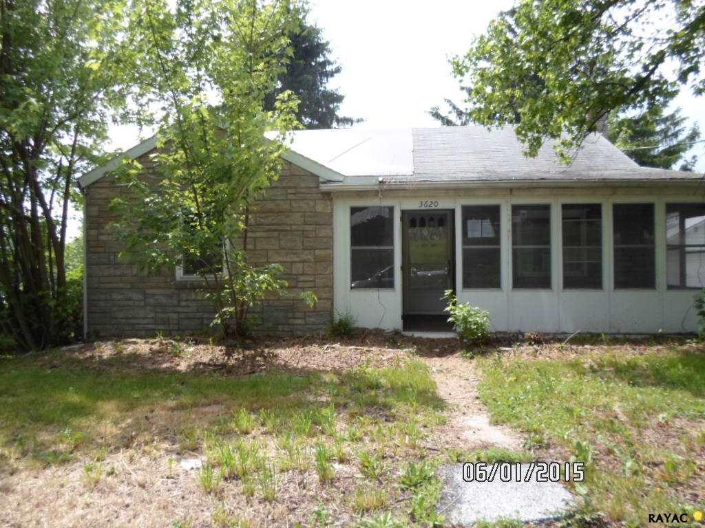 3620 Carlisle Rd, Gardners, PA 17324