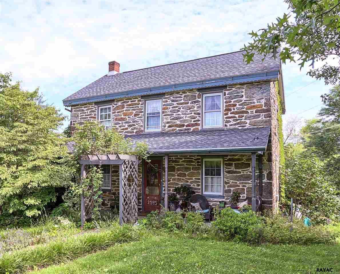 2595 Rehmeyers Hollow Rd, Stewartstown, PA 17363