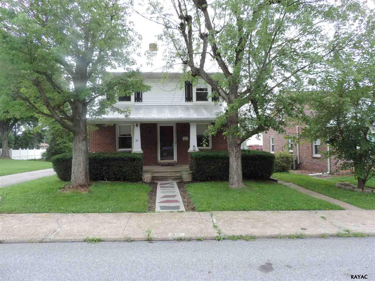 35 N Queen St, Dover, PA 17315