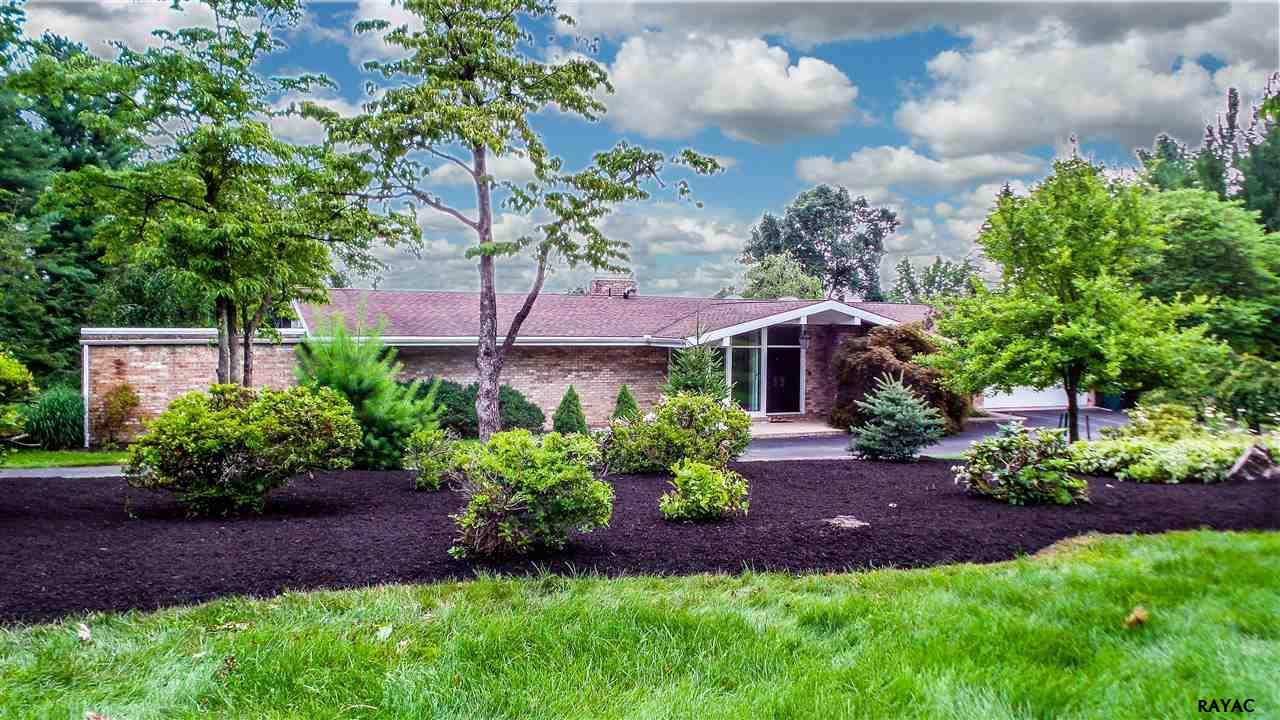 2 Apple Hill Ln, York, PA 17402