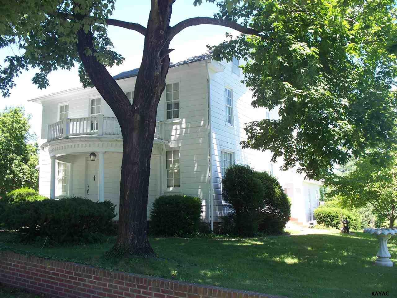 318 Cedar Rd, New Oxford, PA 17350