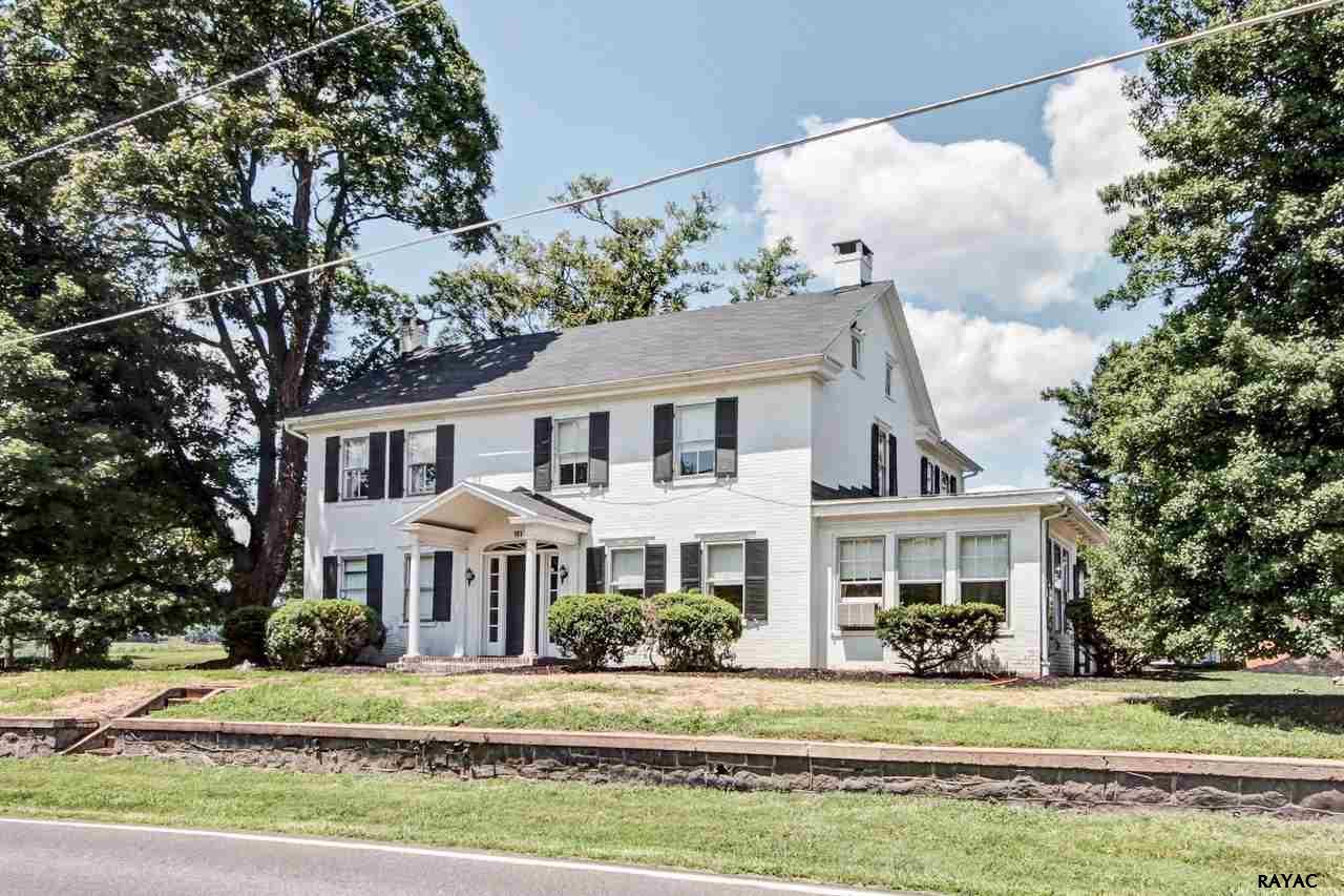 161 W York St, Biglerville, PA 17307
