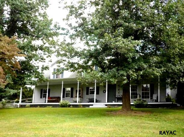 570 Group Mill Rd, New Oxford, PA 17350