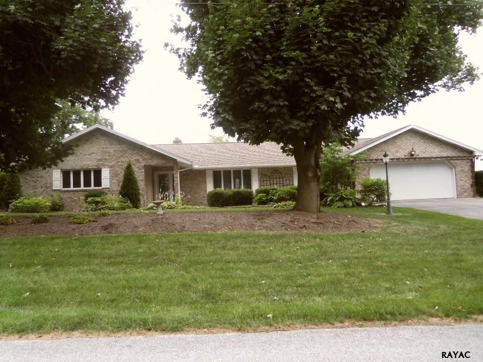 44 Edgewood Cir, Chambersburg, PA 17202