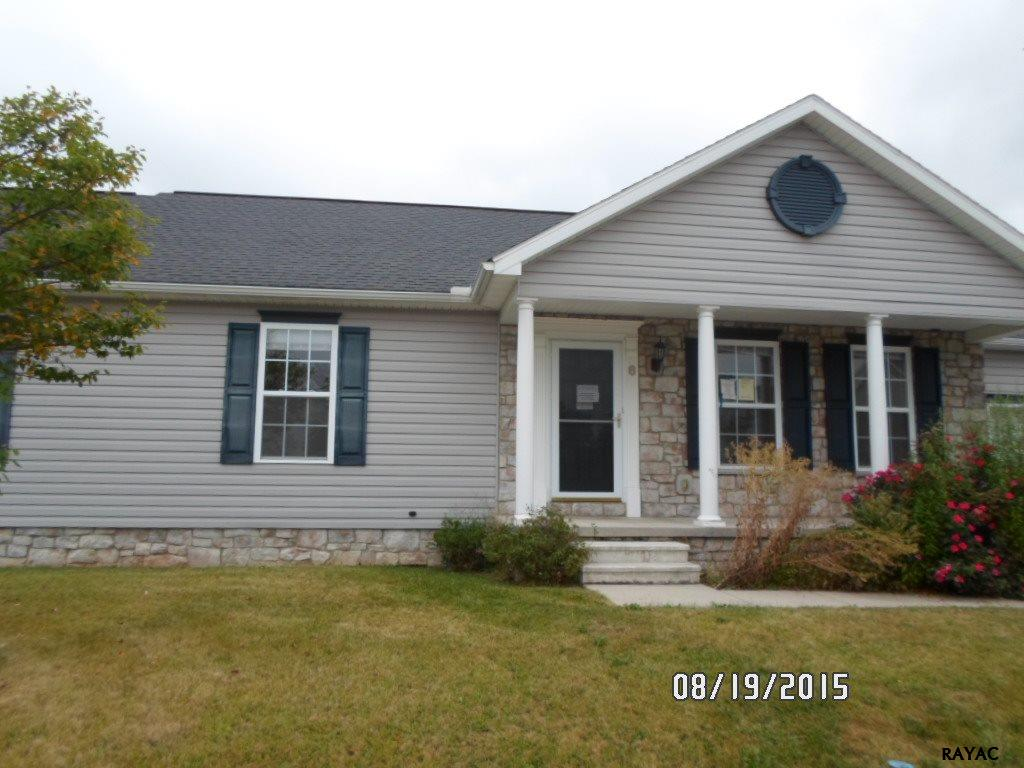 6 Sycamore Ct, Littlestown, PA 17340