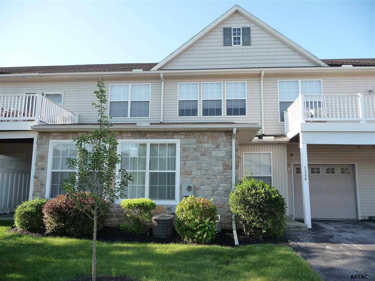 1306 S Marshview Rd, Stewartstown, PA 17363