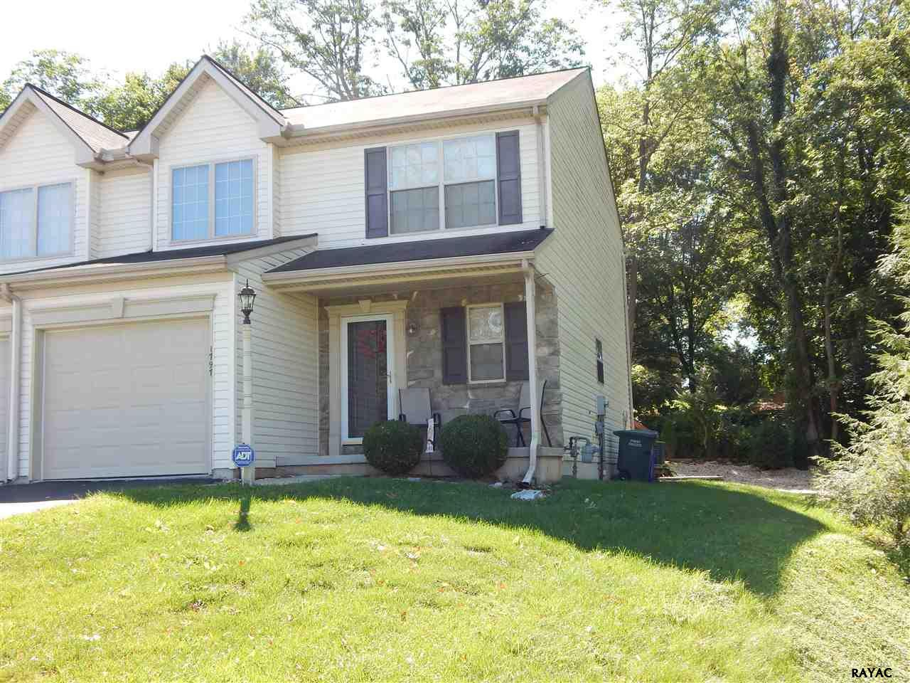 1797 Rocky Rd, Dover, PA 17315