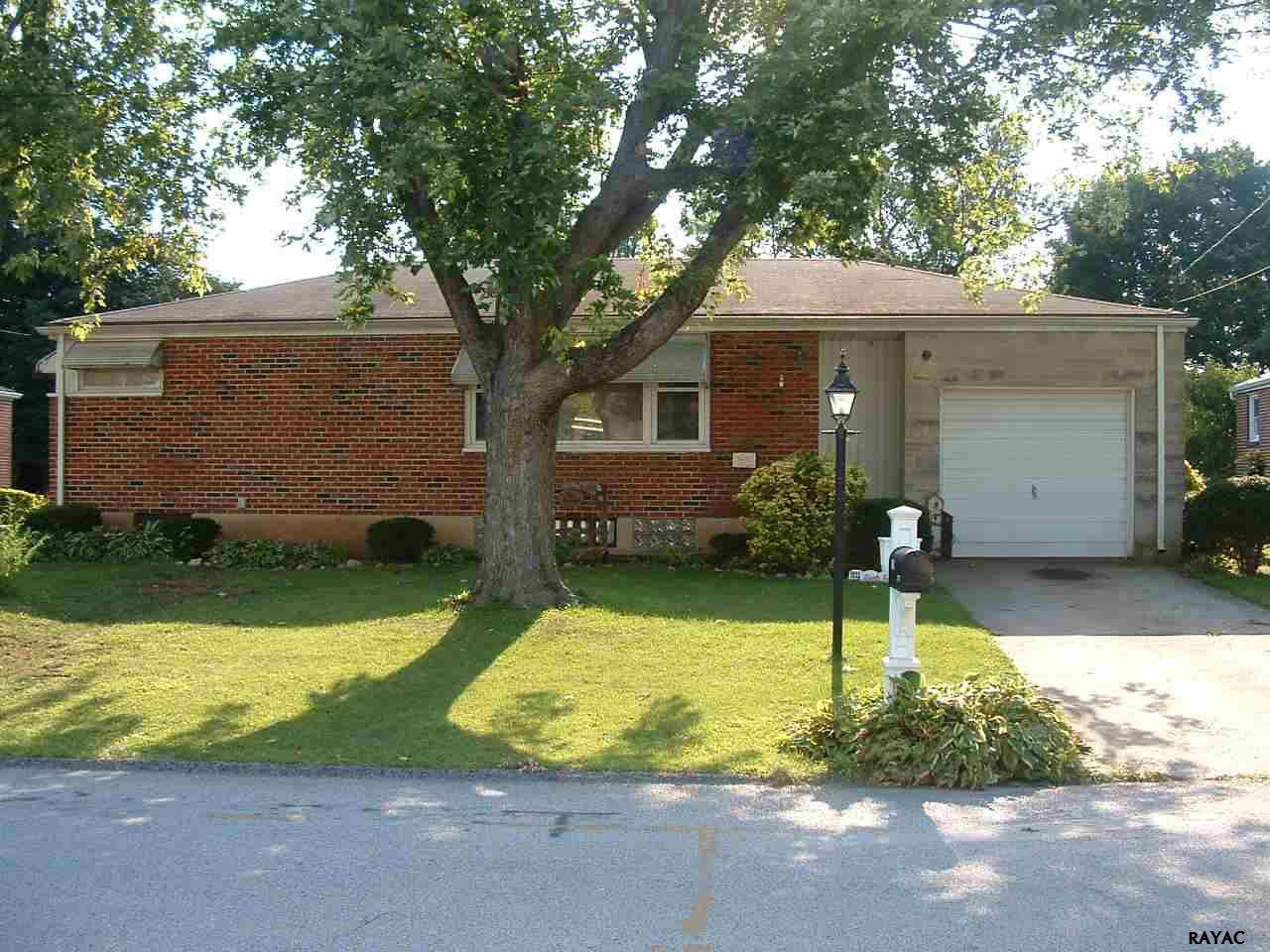 2770 Clearbrook Blvd, York, PA 17406