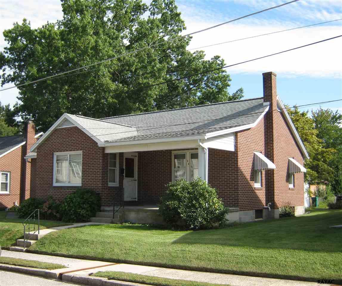 38 Barlow St, Gettysburg, PA 17325