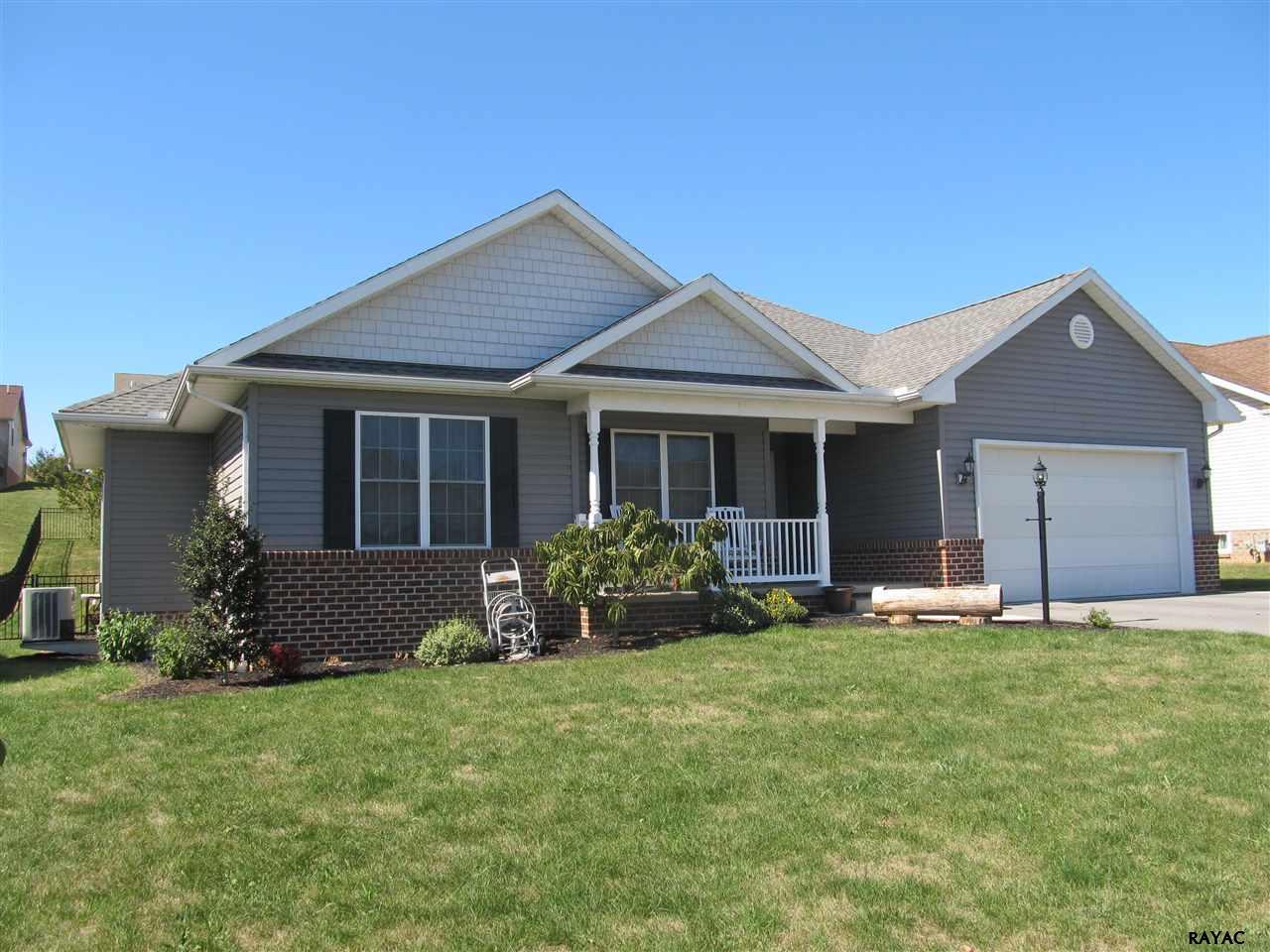 304 Tritle Ave, Waynesboro, PA 17268