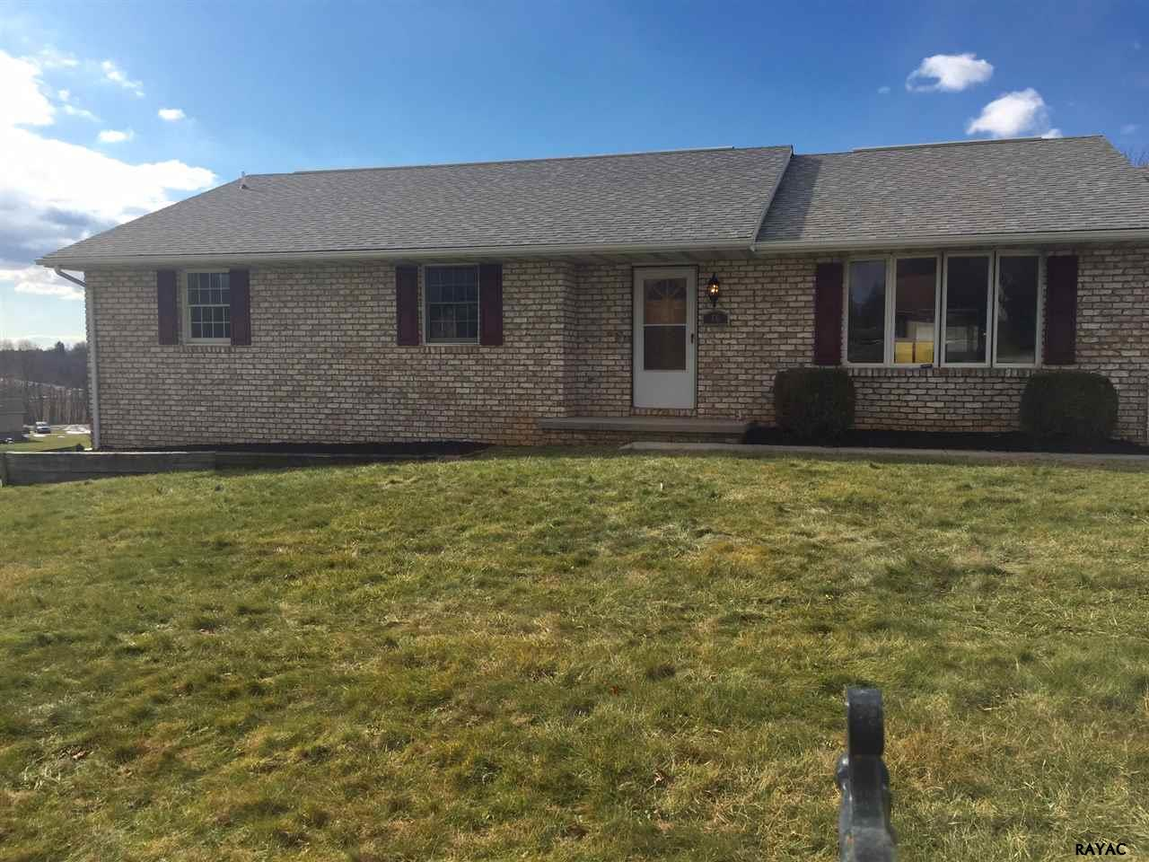 66 Harget Dr, Hanover, PA 17331