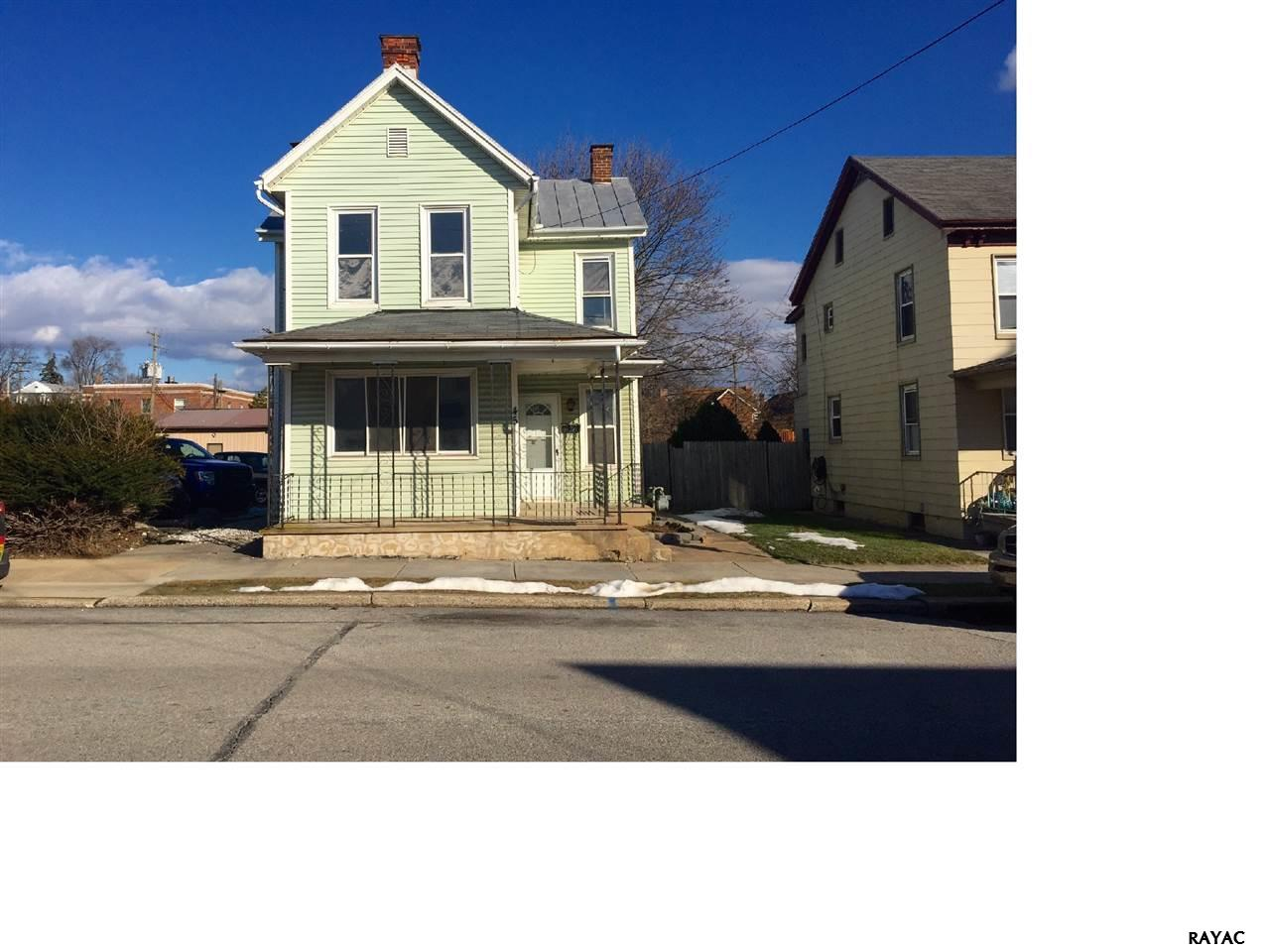 45 S Water St, Spring Grove, PA 17362
