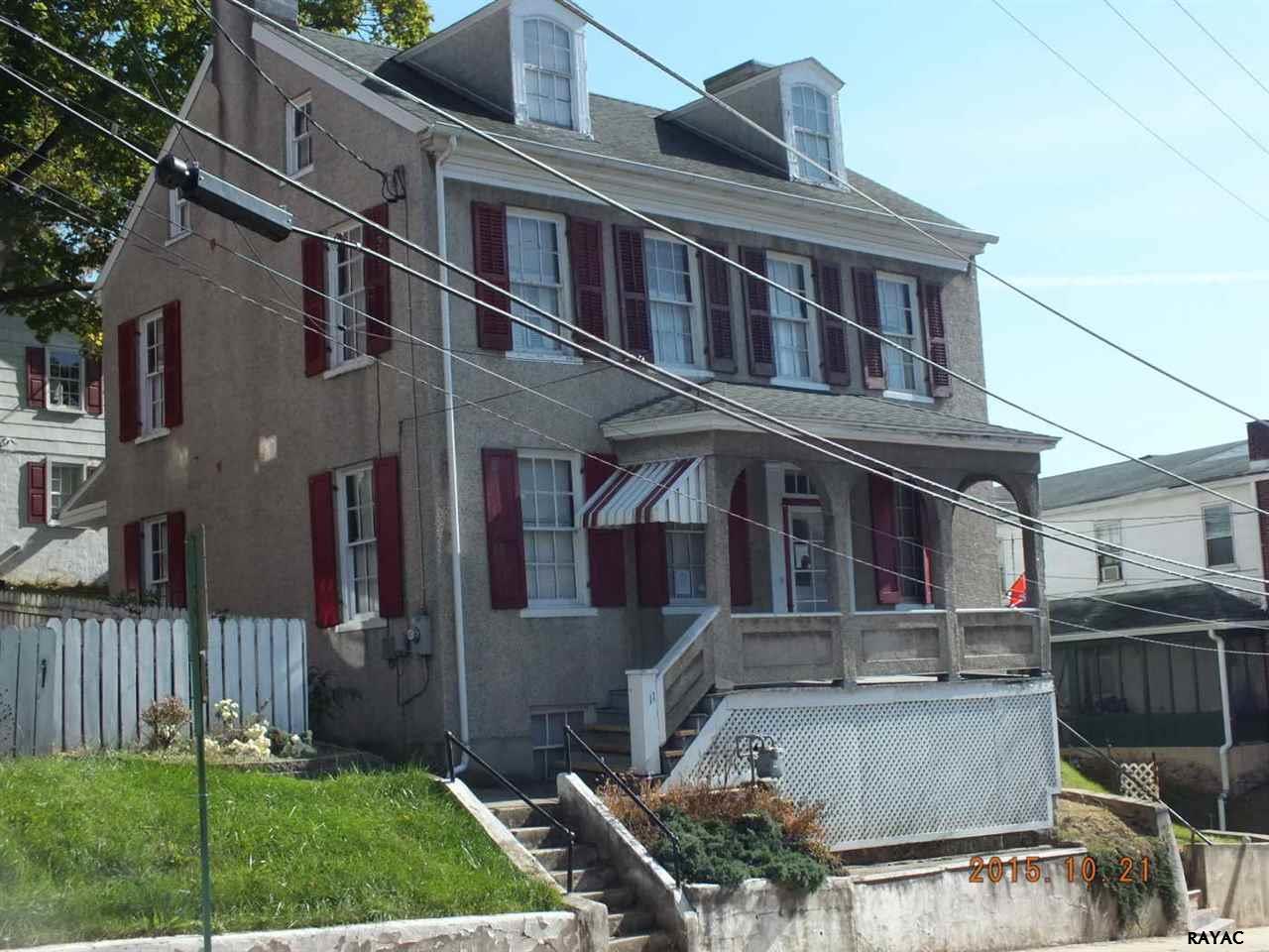 11 Church St, Glen Rock, PA 17327