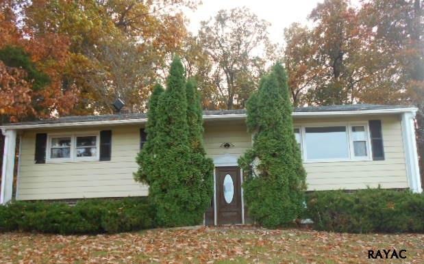 10236 Park View Dr, Felton, PA 17322