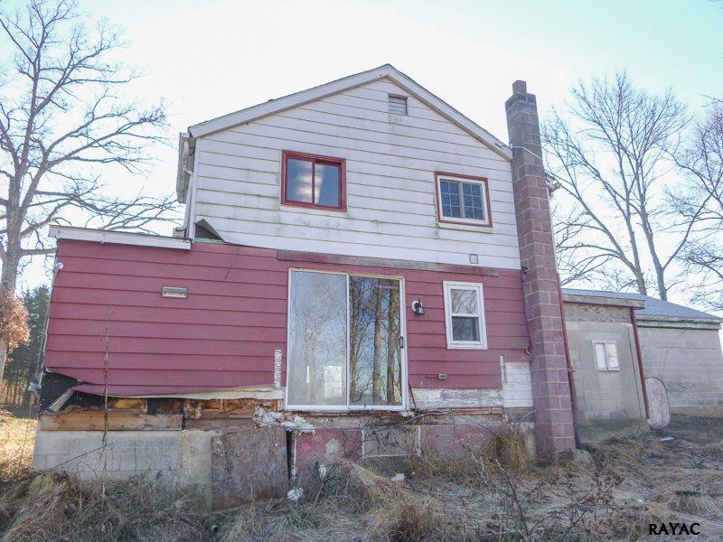 2649 Rosstown Rd, Wellsville, PA 17365