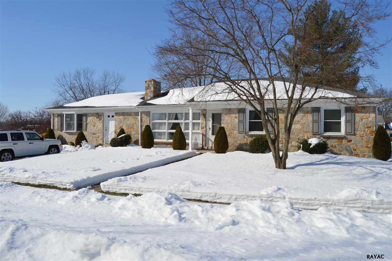 851 Highland Ave, Gettysburg, PA 17325