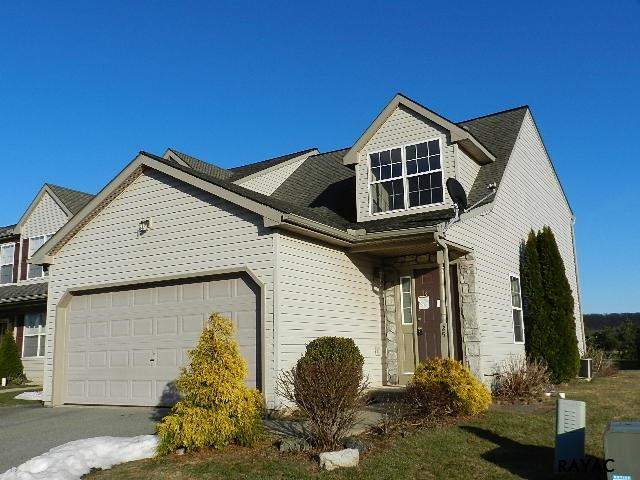 25 Rosemary Ct, Manchester, PA 17345