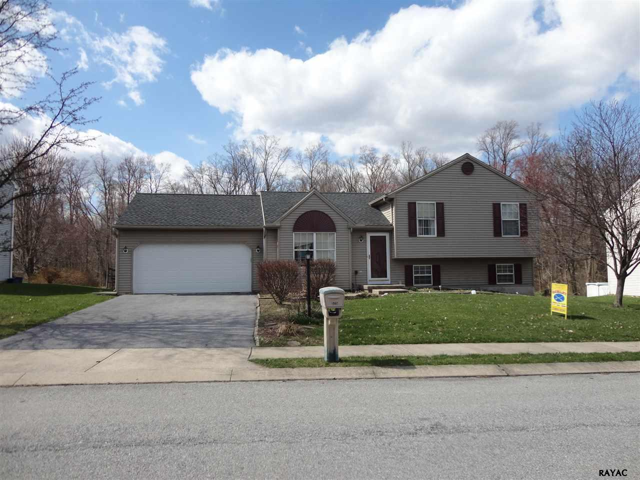 525 Crossing Way, Manchester, PA 17345
