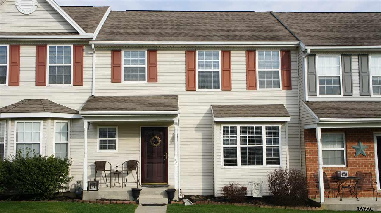 139 Country Ridge Dr, Red Lion, PA 17356