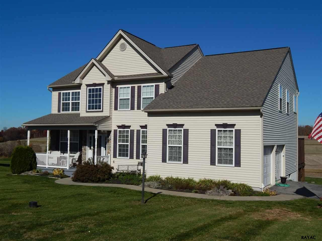4411 Sycamore Ln, Red Lion, PA 17356