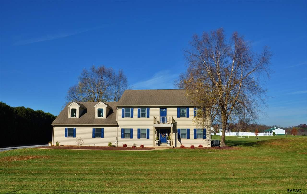 998 Kendale Rd, Red Lion, PA 17356