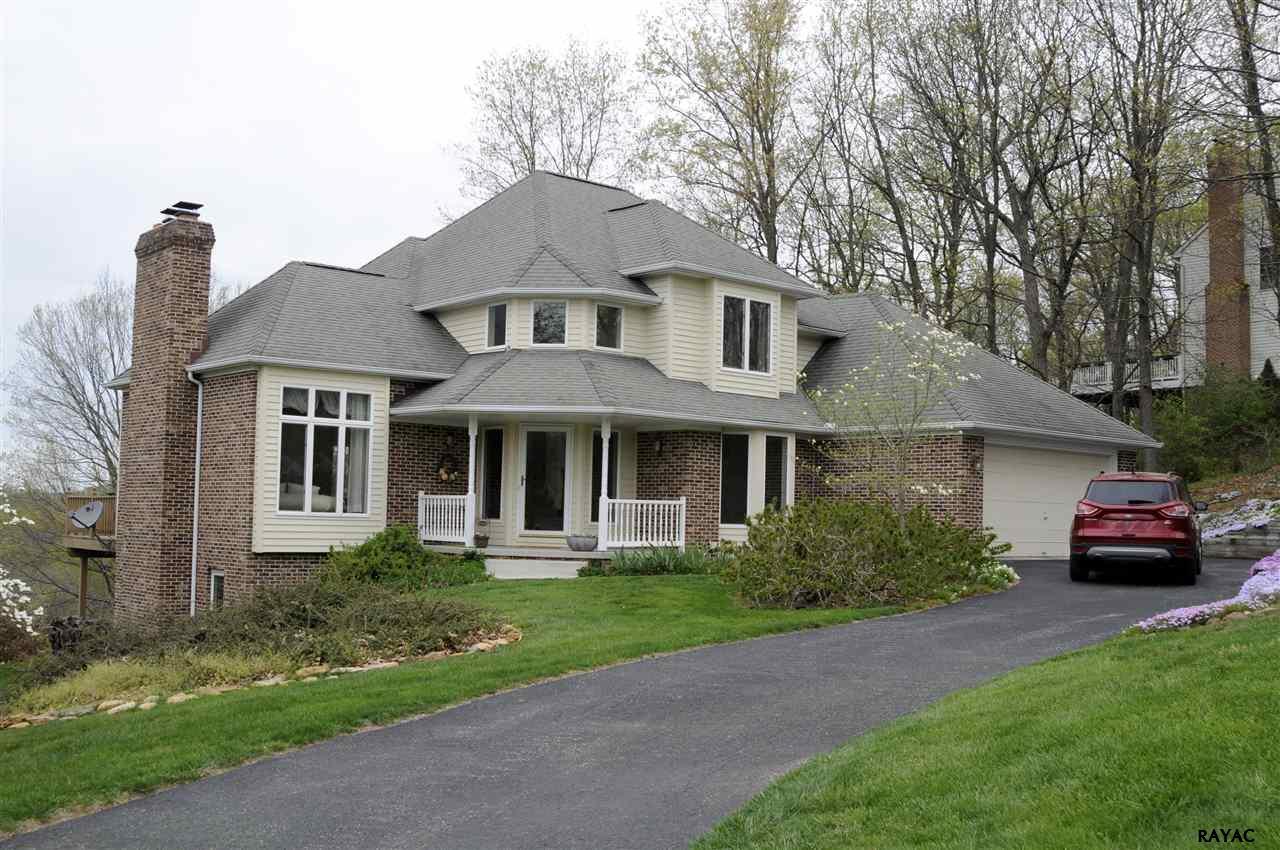 4 Ridgewood Rd, Glen Rock, PA 17327