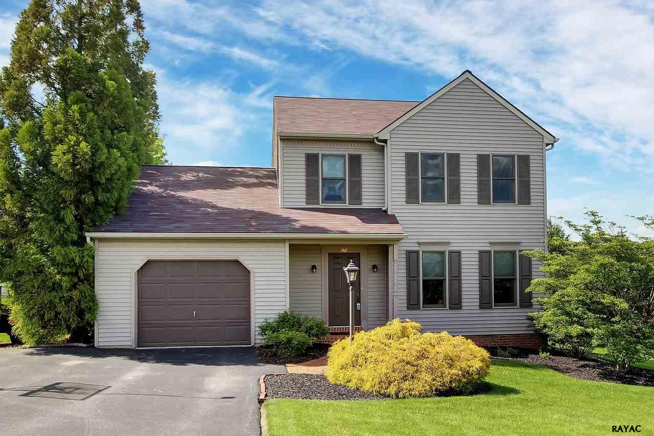 707 Beverly Hills Ct, Red Lion, PA 17356