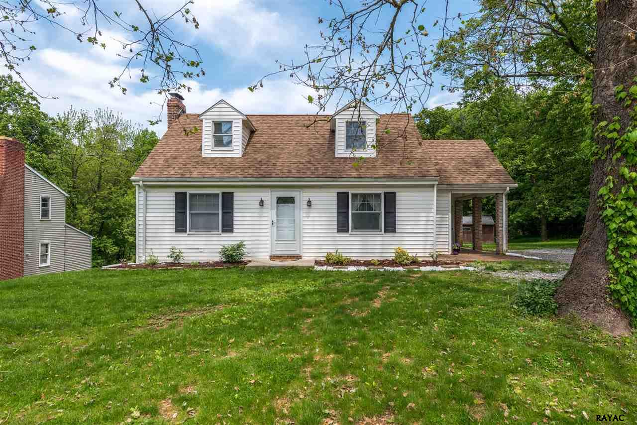 2835 Cape Horn Rd, Red Lion, PA 17356