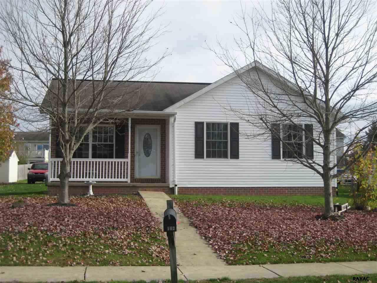 142 Boyer St, Littlestown, PA 17340