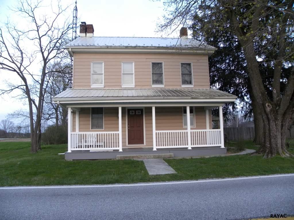 89 Roths Church Rd, Thomasville, PA 17364