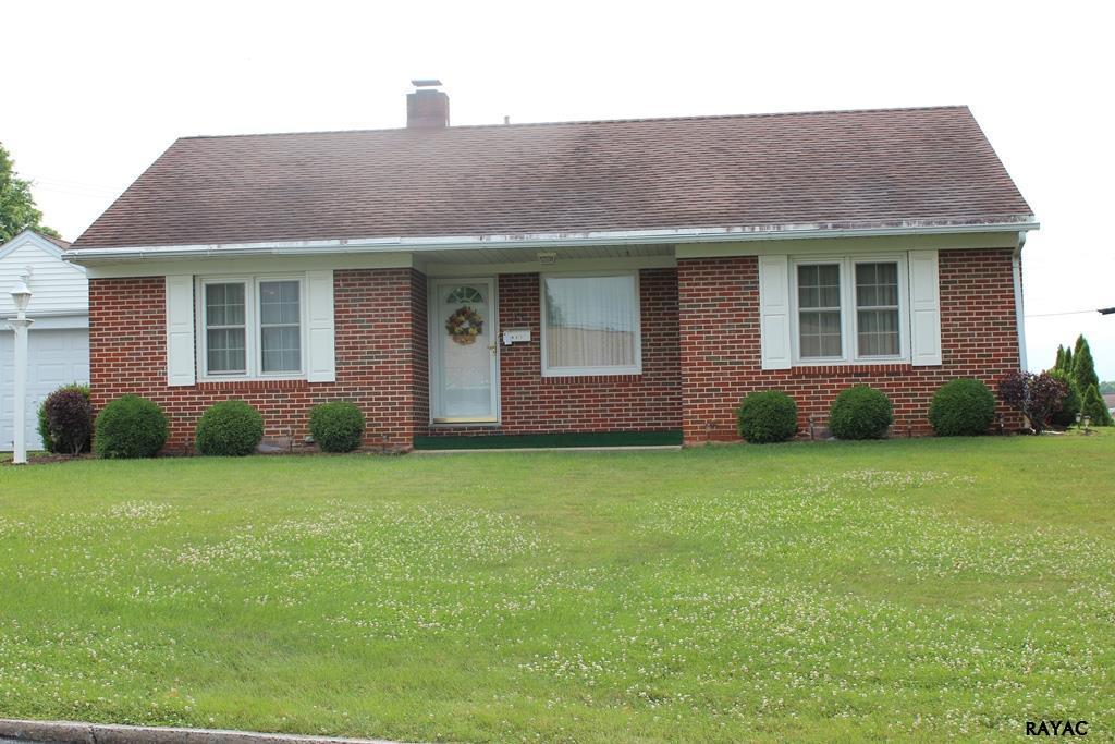 915 Fairview Ave, Waynesboro, PA 17268