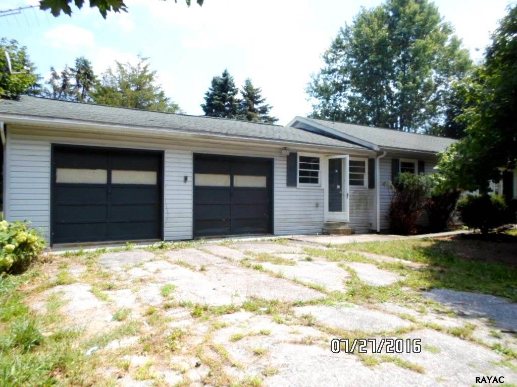 2189 Table Rock Rd, Biglerville, PA 17307