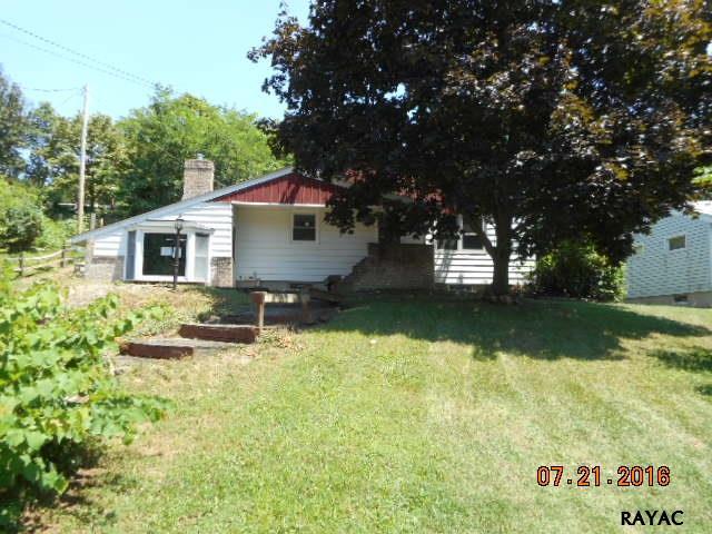 890 Hershey Heights Rd, Hanover, PA 17331