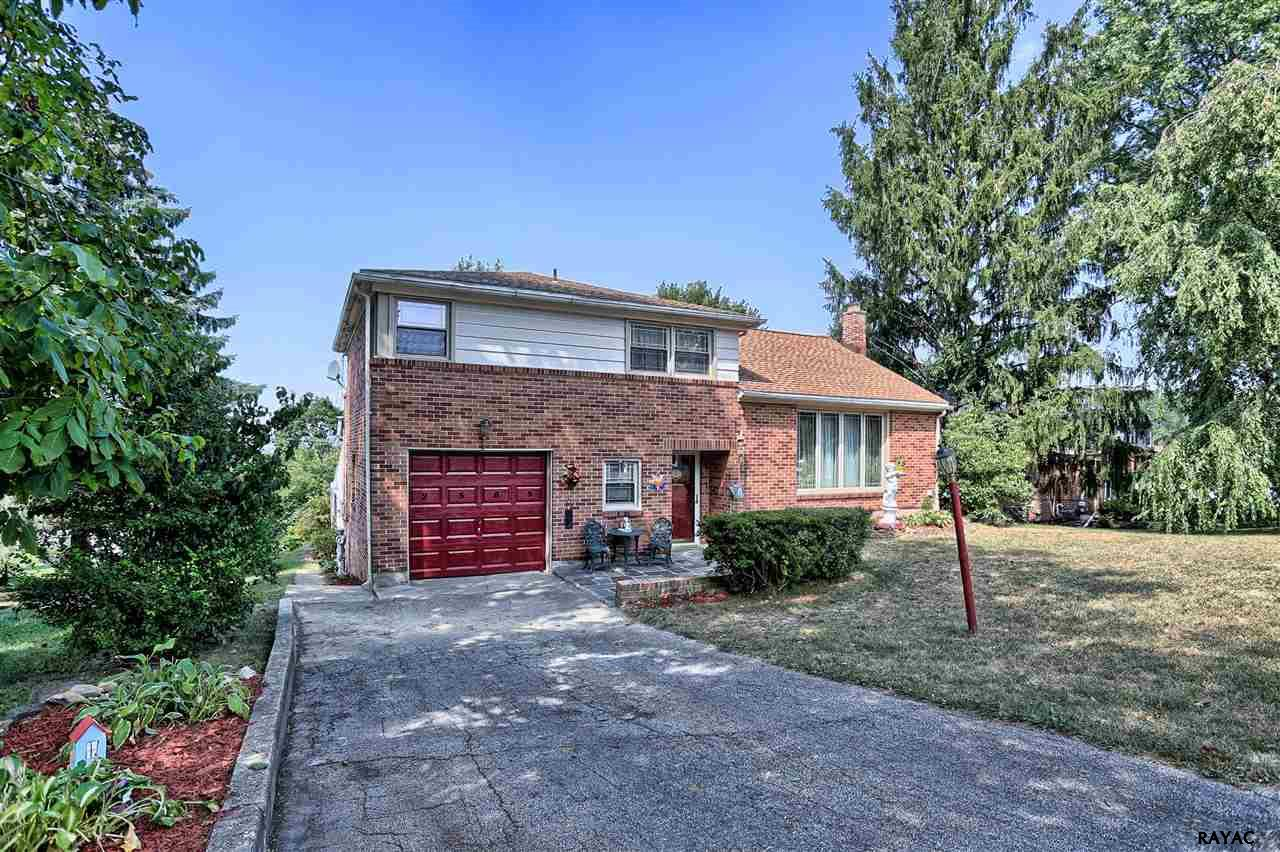 Photo of 2565 Stanford Dr  York  PA