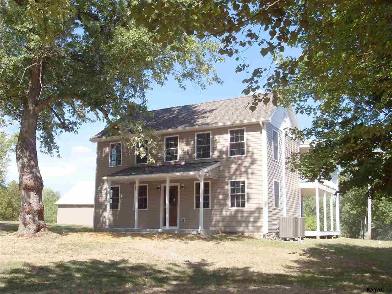 404 Shrivers Corner Rd, Gettysburg, PA 17325