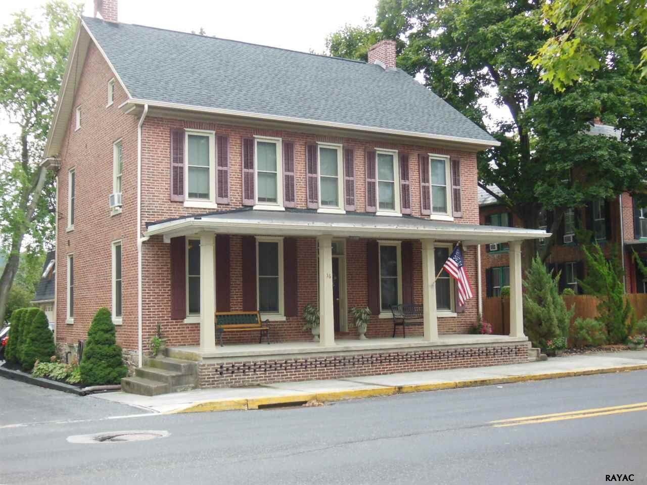 16 W Main St, Fairfield, PA 17320