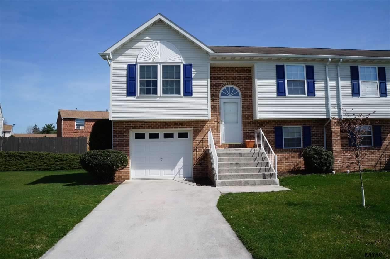 Photo of 18 Squire Circle  McSherrystown  PA