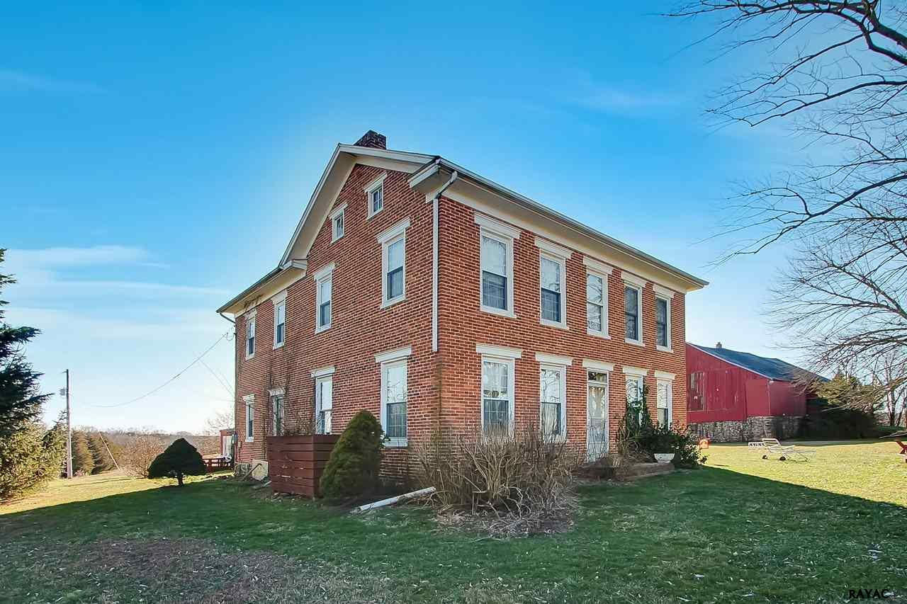 489 Sachs Rd, Gettysburg, PA 17325