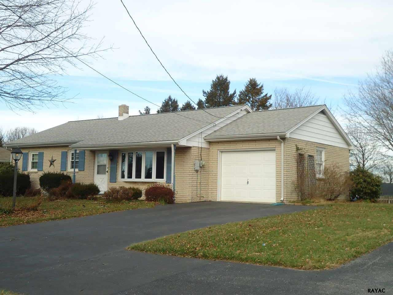 301 Kendale Rd, Red Lion, PA 17356