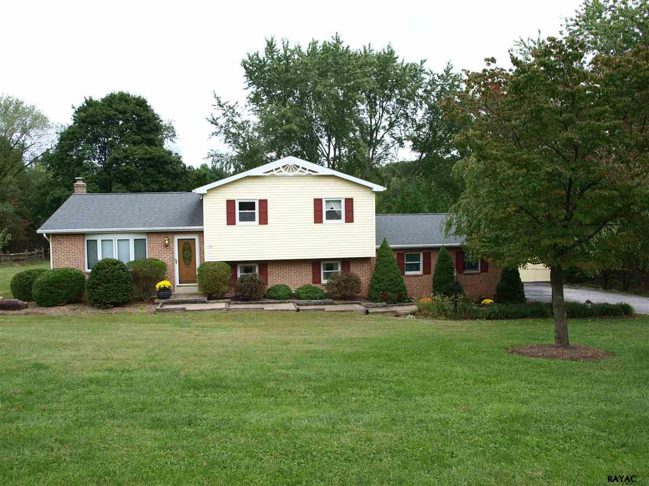 314 Forest View Dr, Delta, PA 17314