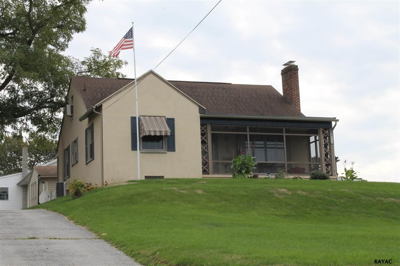 646 Boundary Ave, Hanover, PA 17331